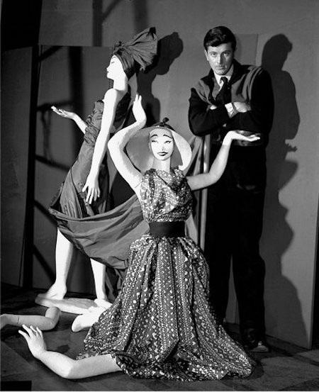 Givenchy sớm nhận ra niềm đam mê cháy bỏng dành cho thời trang