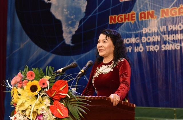 Thứ trưởng Bộ GD&ĐT Nguyễn Thị Nghĩa phát biểu tại buổi lễ bế mạc cuộc thi