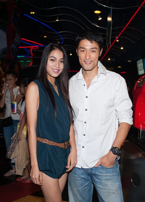 Hiện Johnny Trí Nguyễn được cho là có mối quan hệ tình cảm cùng Nhung Kate. Cả hai thường xuyên đi xem phim, ăn uống, tham gia các sự kiện cùng nhau.