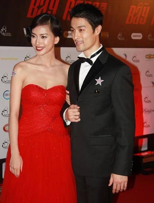 Tuy không thừa nhận mối quan hệ mới, nhưng việc cặp đôi xuất hiện bên nhau và được coi là đôi trai tài gái sắc của showbiz Việt.