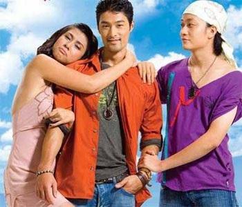 Johnny Trí Nguyễn trong vai diễn Hồn Trương Ba, da hàng thịt cũng là vai diễn đầu tiên giúp khán giả trong nước biết đến anh.