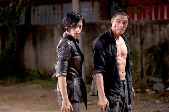 """Năm 2009, Johnny Trí Nguyễn tái hợp cùng Ngô Thanh Vân trong bộ phim điện ảnh """"Bẫy rồng"""" nhưng bộ phim không thành công nhưng mong đợi."""