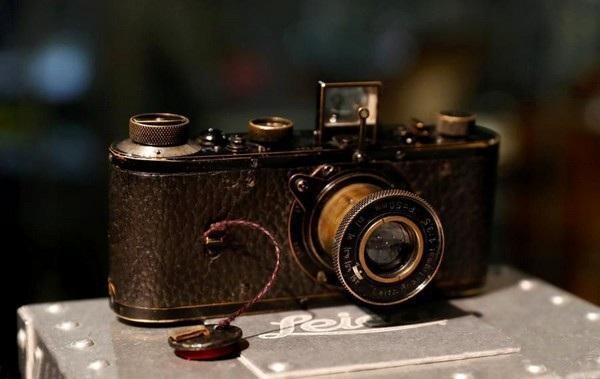 Chiếc máy ảnh Leica 0-Series được sản xuất từ năm 1923 được bán với mức giá 2,95 triệu USD