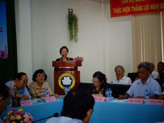 GS.TS Nguyễn Thị Doan Chủ tịch Trung ương Hội KH Việt Nam phát biểu tại hội nghị