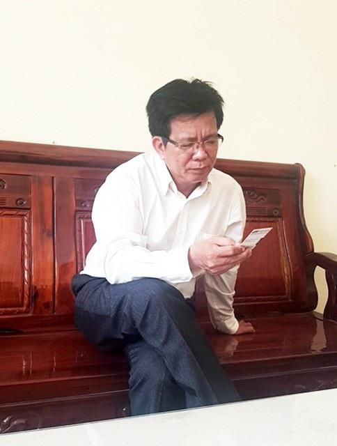 Thầy Huỳnh Công Sơn, hiệu trưởng Trường tiểu học Bình Chánh