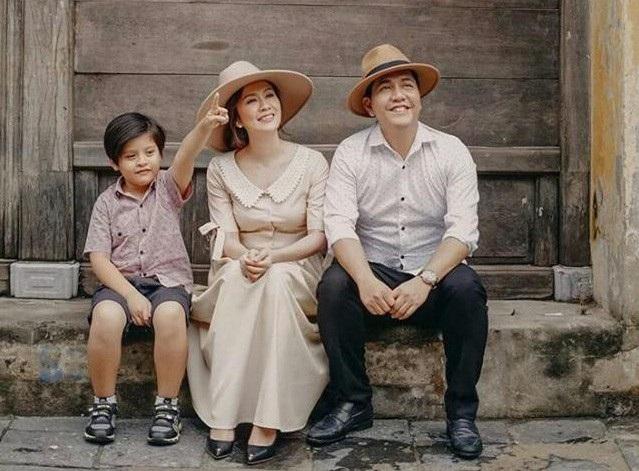 Gia đình hạnh phúc của đạo diễn Đức Thịnh và diễn viên Thanh Thúy