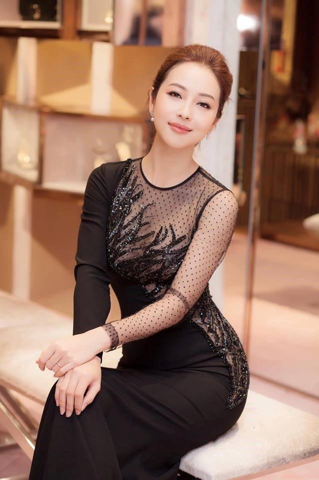 Hoa hậu Jenifer Phạm sẽ đồng hành với vai trò MC dẫn dắt chương trình trong đêm bán kết.