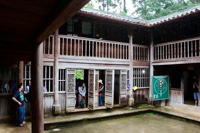 Dinh thự nhà Vương được xây dựng không kể ngày đêm và thi công trong vòng 8 năm mới xong, tổng diện tích lên đến 1.120m2. Ảnh: Hoàng Ngọc