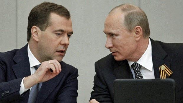 Tổng thống Putin và người bạn lâu năm Medvedev (Ảnh: AFP)