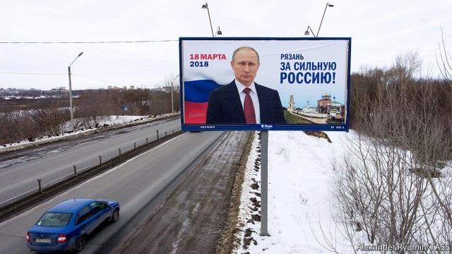 Người Nga tin tưởng vào cách ứng phó các lệnh trừng phạt phương Tây của chính quyền Tổng thống Putin. (Ảnh minh họa: TASS)