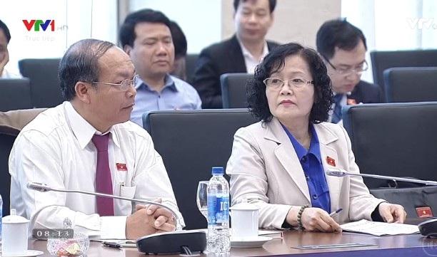 Đại biểu Trần Thị Quốc Khánh nêu câu hỏi với Bộ trưởng Tư pháp về tác động của cuộc cách mạng khoa học công nghệ 4.0