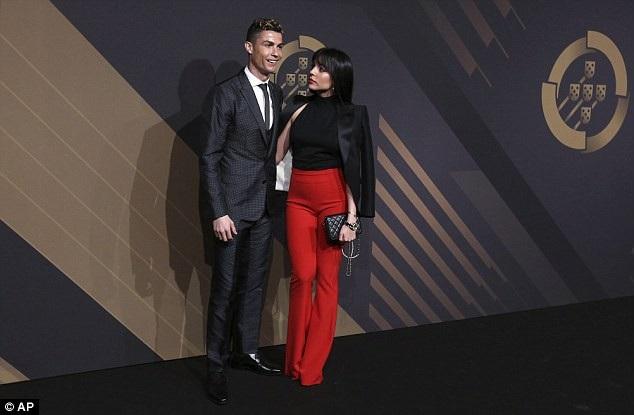 Danh thủ Cristiano Ronaldo và bạn gái Georgina Rodriguez dự lễ trao giải Quina tổ chức ở Lisbon, Bồ Đào Nha ngày 19/3 vừa qua