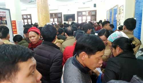Chen nhau làm giấy thông hành để sang Trung Quốc tìm việc.Liễu Chang