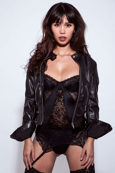 Siêu mẫu Hà Anh vẫn nóng bỏng ở tháng thứ 7 thai kỳ - 7