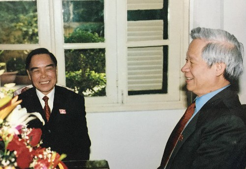 Cố Thủ tướng Phan Văn Khải và nguyên Bộ trưởng Bộ Kế hoạch và Đầu tư Trần Xuân Giá
