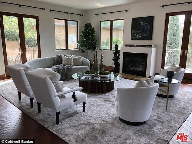 Nữ diễn viên Eva Longoria đang rao bán biệt thự của cô tại Mỹ với giá 3,8 triệu USD