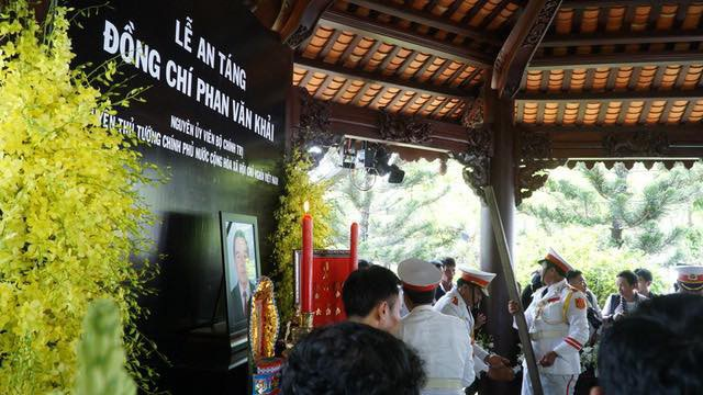 Nguyên Thủ tướng Phan Văn Khải được an táng bên mộ người vợ quá cố - 8