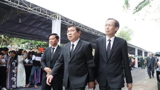 Lãnh đạo TPHCM tới dự lễ an táng.