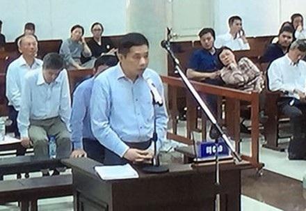 Bị cáo Ninh Văn Quỳnh tỏ ra ăn năn hối hận về hành vi của mình.