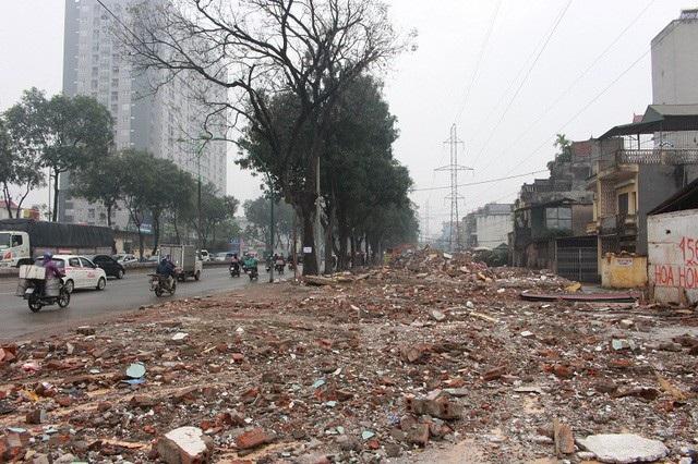 Đường Phạm Văn Đồng đang trong giai đoạn giải phóng mặt bằng
