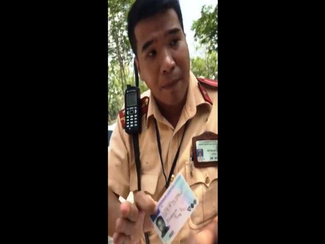 Chiến sĩ CSGT Cát Lái khẳng định: Bằng lái quốc tế vô giá trị ở Việt Nam