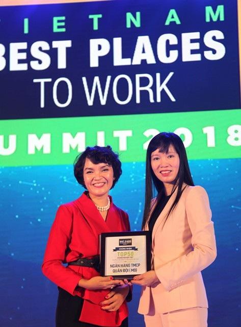 MB thăng hạng vào Top 3 nơi làm việc tốt nhất Việt Nam ngành ngân hàng 2017 - 1