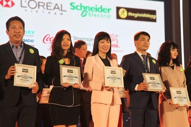 MB thăng hạng vào Top 3 nơi làm việc tốt nhất Việt Nam ngành ngân hàng 2017 - 2