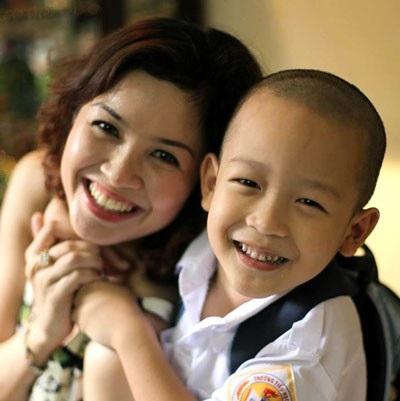 Diễn viên Phan Hòa và con trai