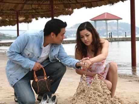 Phan Hòa vai hoa hậu Minh Phương trong phim Chạy án.