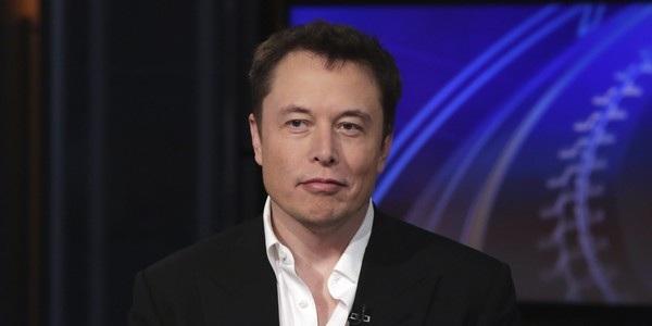"""Elon Musk đã """"mỉa mai"""" mạng xã hội Facebook và không ngần ngại xóa 2 tài khoản Facebook của công ty mình"""