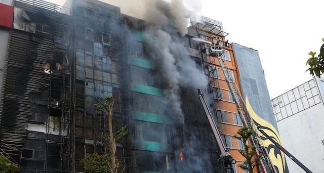 13 người tử vong trong vụ cháy quán karaoke số 68 phố Trần Thái Tông.