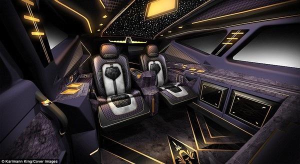 Nhiều tính năng trong xe được điều khiển thông qua ứng dụng trên smartphone