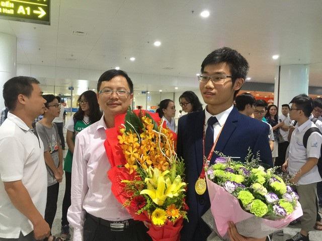 Đinh Quang Hiếu - chàng trai vàng Hóa học giành học bổng toàn phần 6,4 tỷ đồng của Viện công nghệ số 1 thế giới.