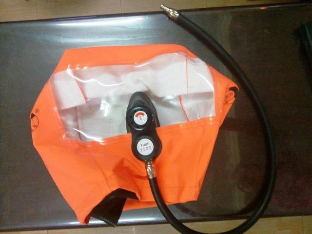 Sản phẩm mặt nạ chống độc được rao bán với giá 1,2 triệu đồng.