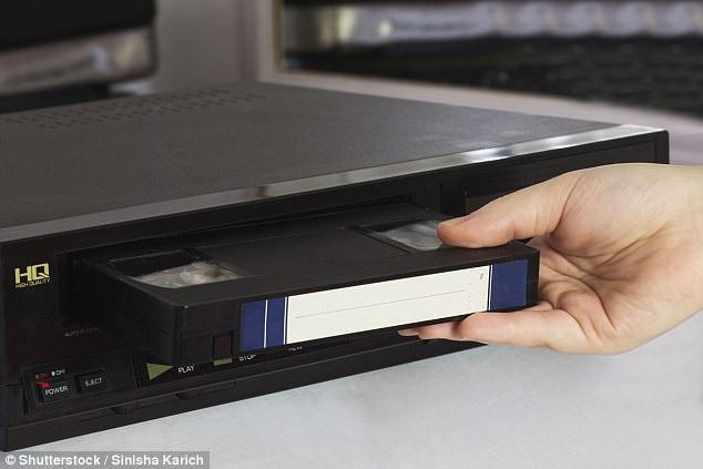 Việc thu lại những bộ phim, những chương trình yêu thích vào băng VHS cũng từng là việc làm yêu thích của nhiều người.