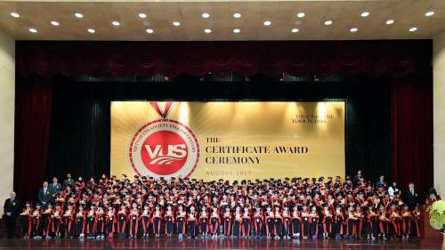 Anh văn Hội Việt Mỹ VUS đã đạt kỷ lục hệ thống Anh ngữ có số lượng học viên đạt chứng chỉ quốc tế nhiều nhất - 102.095 học viên.