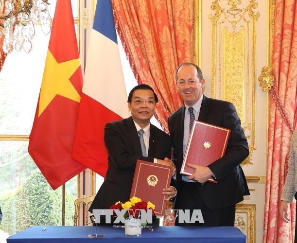 Lễ ký Ý định thư hợp tác giữa Bộ Khoa học và Công nghệ Việt Nam với Tập đoàn Airbus Defence and Space về công nghệ vũ trụ