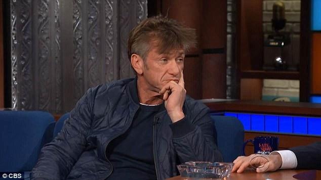 Cuối cuộc phỏng vấn, người dẫn chương trình đã khuyên nam tài tử nên bỏ thuốc.