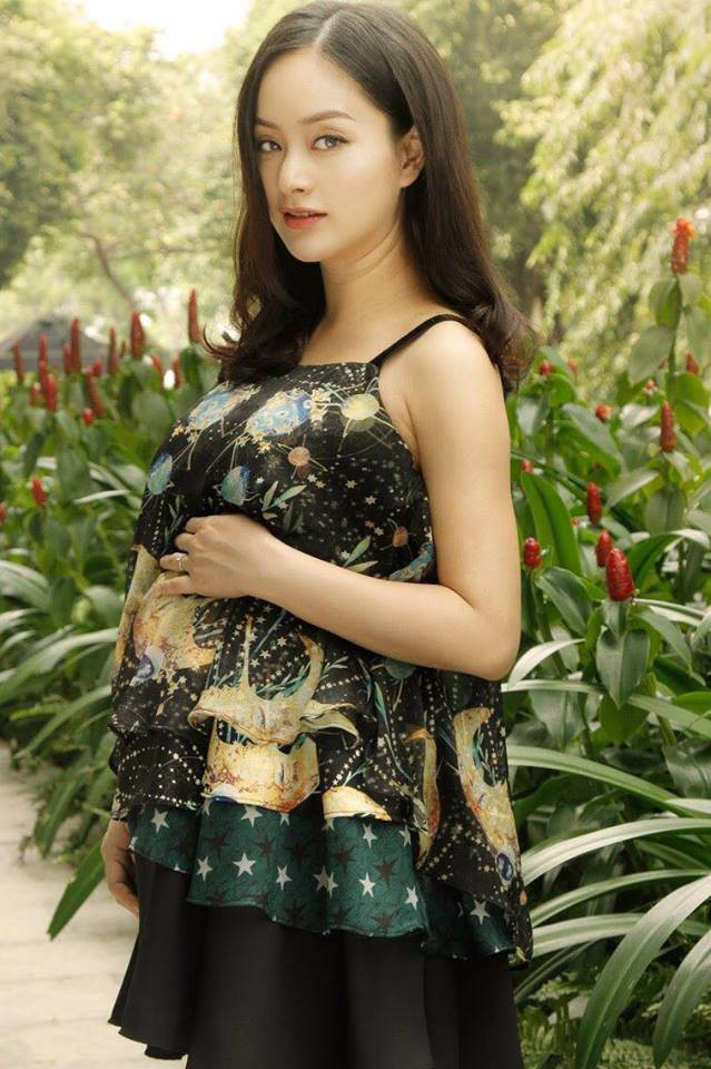 Lan Phương cho biết cô sẽ hạ sinh em bé vào tháng 5 tới.