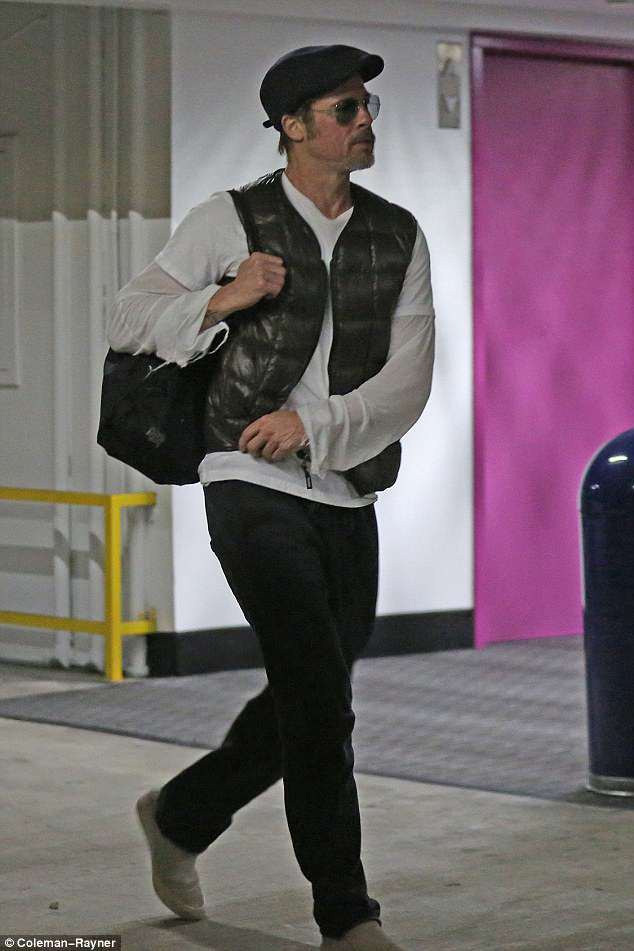 Brad Pitt xuất hiện tại Los Angeles, Mỹ, ngày 28/3.