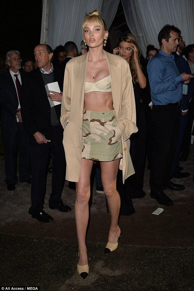 Siêu mẫu của hãng Victorias Secret Elsa Hosk khoe vẻ đẹp búp bê trong tiệc tiền Oscar diễn ra tại Beverly Hills, Mỹ ngày 3/3 vừa qua