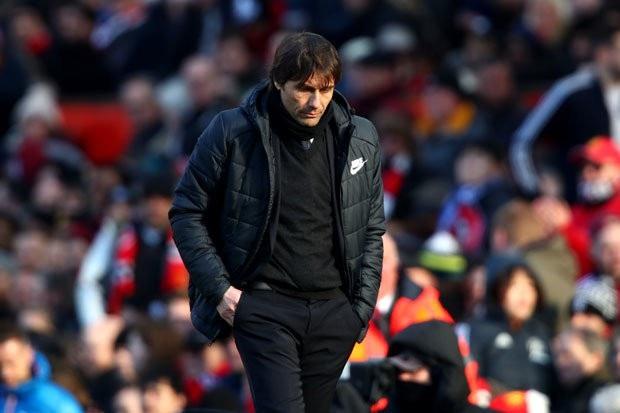 HLV Conte trách móc BLĐ Chelsea không cấp đủ tiền
