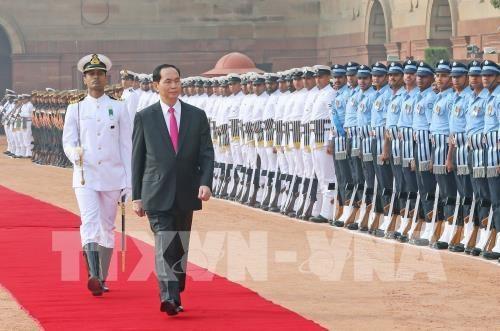 Chủ tịch nước Trần Đại Quang duyệt đội danh dự (ảnh: TTXVN)