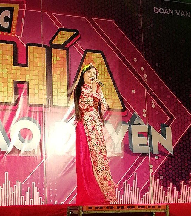 Thiên thần bolero Quỳnh Trang mang đến nhiều cảm xúc với các tình khúc Bolero.