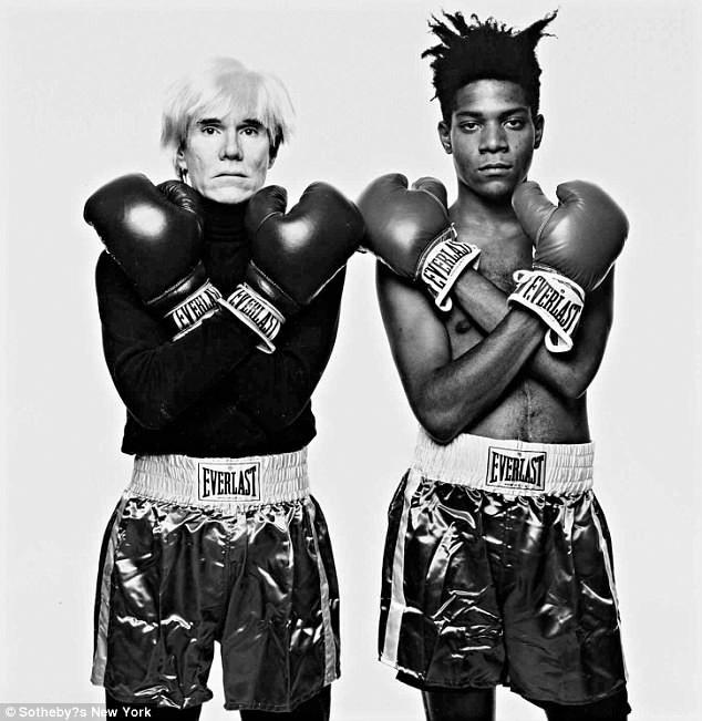 15.000 USD (340 triệu đồng) là mức giá tối thiểu được kỳ vọng đối với bức ảnh chụp hai họa sĩ Mỹ - Andy Warhold và Jean-Michel Basquiat - bởi nhiếp ảnh gia Michael Halsband.