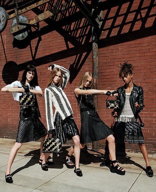 Jaden Smith đã từng xuất hiện trong chiến dịch quảng bá thời trang nữ của một nhà mốt danh tiếng.