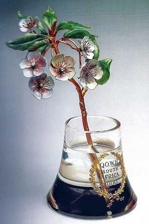 Cành hoa Fabergé