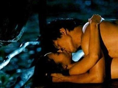 Trong phim này, Dustin Nguyễn còn gây chú ý bởi cảnh nóng cùng Đỗ Hải Yến.