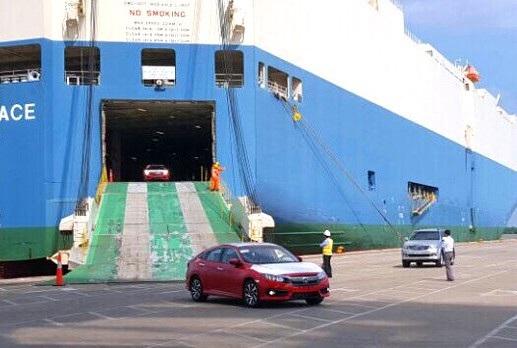 Đến thời điểm này, mới chỉ có duy nhất Honda thông quan lô xe nhập khẩu từ Thái Lan trong tháng 3 này để bán tới tay người tiêu dùng.
