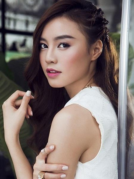 Nhìn lại hành trình sự nghiệp của mình, Lan Ngọc thừa nhận đã có lúc cô quá tham lam thể hiện và xuất hiện trước khán giả nên nhận quá nhiều dự án và cuối cùng không hiệu quả.